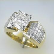 3ct CushionCut diamond 18k Yellow Gold Mounting1