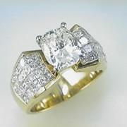 3ct CushionCut diamond 18k Yellow Gold Mounting3