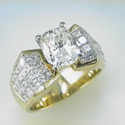 3ct CushionCut diamond 18k Yellow Gold Mounting3